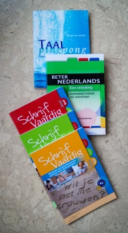Books for Dutch lessons at doeTAAL