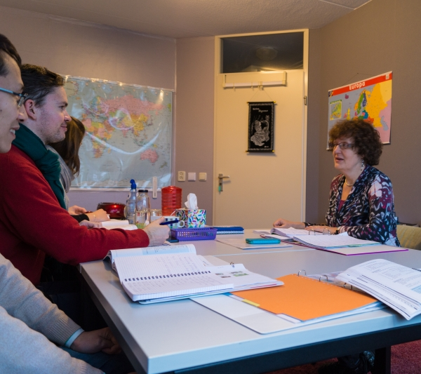 Dutch language course at doeTAAL